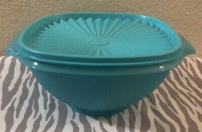 Tupperware Classic Servalier Bowl Container 4 Cups Aqua w/ Matching Seal New