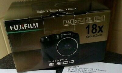 Fujifilm Finepix S1900 Digital Camera 12MP & 18x Zoom - Boxed - VGC Free P&P