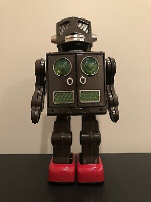 Attacking Martin vintage robot japan excellent condition non-working