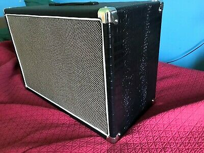 """Guitar cab 2x10"""" speaker pine wood with exotic style tolex.. light and big tone"""