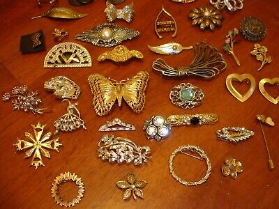Estate Find 38 pcs Jewelry Lot Brooches: Vintage To Modern, Costume Pre-Owned.