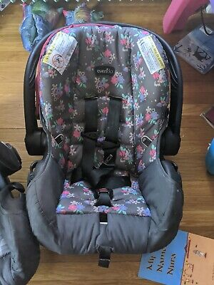 Evenflo infant Car Seat and Base Pink (Expires 2027)