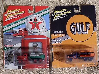 2 NEW JOHNNY LIGHTNING GULF TEXACO GMC CCKW 2 1/2-TON 6x6 TANKER TRUCK EXCLUSIVE