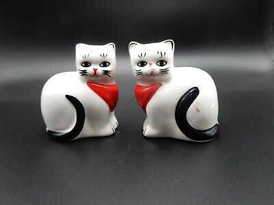 VTG Ron Gordon Design White Cats Kittens Red Kerchiefs Salt and Pepper Shakers