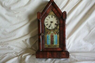 Vintage...  american gothic style.. Mantel Clock  working good