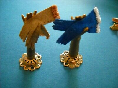 "Dollhouse Miniature ""Hand"" Display Stands With Gloves 1:12 Scale"