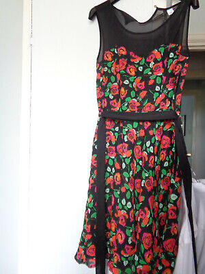 Ladies girls gorgeous prom dress size 8 H&M divided black , pink roses