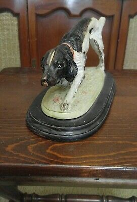 Irish Setter figurine wooden base