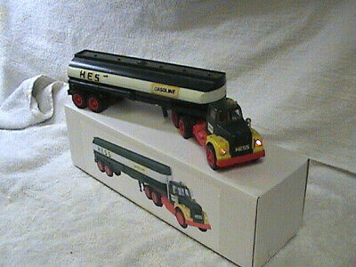1972 - Hess Oil Tanker With Box!!