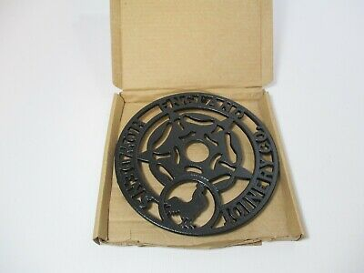 Howdens Joinery English Rose Rooster Trivet Cast Iron Kitchenalia Hot Pan Plate