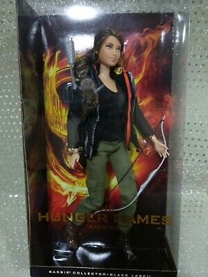 Barbie collector The Hunger games Catniss Evergreen Jennifer Lawrence MIB shelfw