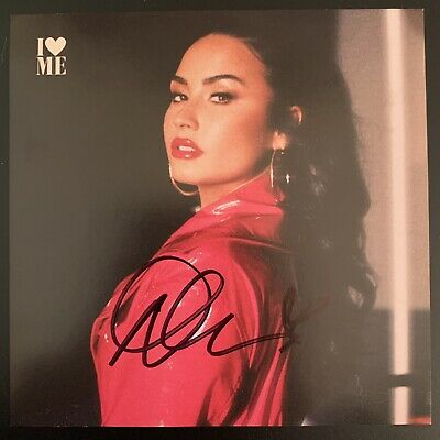 PERSONALLY SIGNED//AUTOGRAPHED DEMI LOVATO CONFIDENT FRAMED CD PRESENTATION.