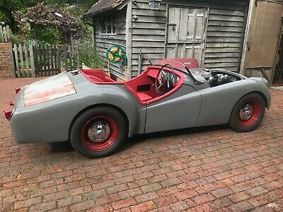Triumph TR2 Long door