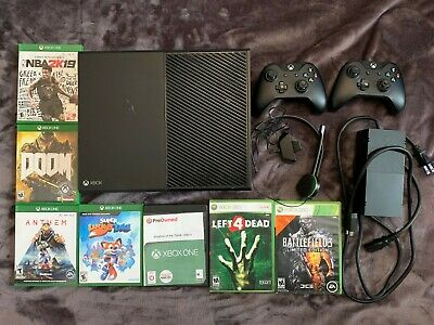 Xbox One 1TB Used Black Console Model 1540, seven Games, two Controllers, 1 Mic