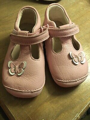 Clarks Girls Little Wow Baby Pink Leather Strap First Shoe Cruisers