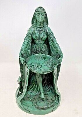 altar Small wooden statue of DANU wicca Wiccan Celtic goddess witchcraft gaelic . druid
