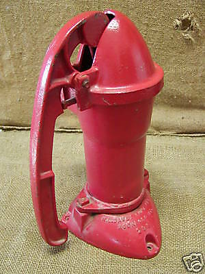 Vintage Cast Iron Farm Water Pump Antique Hand Pumps