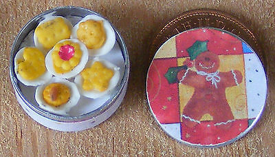 1:12 Scale Full Biscuit Tin Tumdee Dolls House Kitchen Christmas Accessory Bt22b