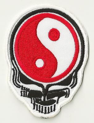 Ecusson patch brodé patche Skull Ying Yang thermocollable