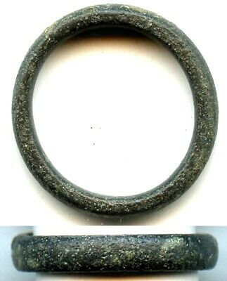 Excellent bronze ancient Celtic finger ring (size ~ 4 1/4), 800-500 BC, Europe