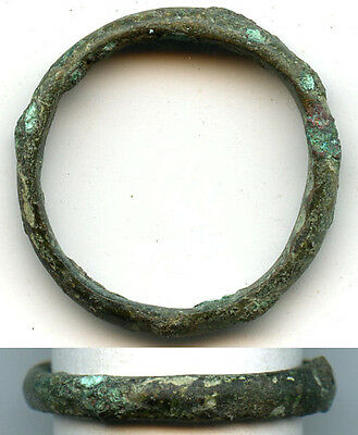 Authentic bronze Celtic finger ring, size ~7 3/4, 800-500 BC, Europe