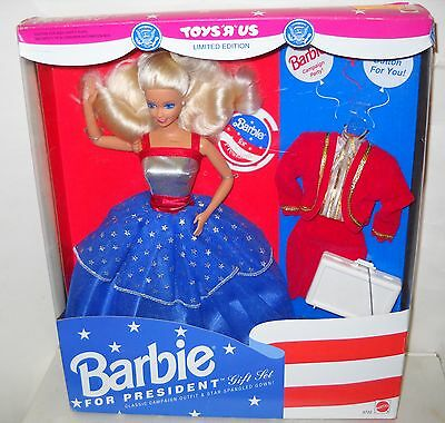 #2525 RARE NRFB Toys R Us 1992 Barbie for President with Presidential Seals