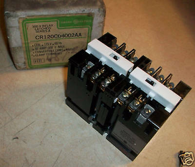 GE General Electric Latched Relay  CR120C04002AA   NEW