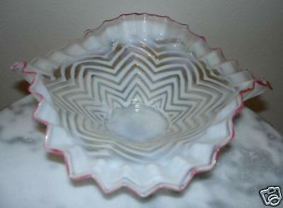 Northwood Herringbone ruffled bowl, ca. 1903