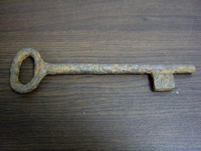 EXTREMELY RARE EARLY 15TH.c IRON FORGED JAIL GATE KEY