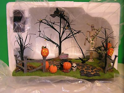 DEPT 56 CREEPY LIGHTED FRONT YARD Halloween NEW in BOX