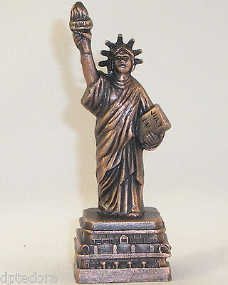 SOUVENIR METAL BUILDING  STATUE OF LIBERTY