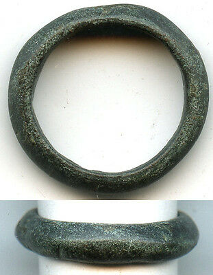 Ancient Celtic finger ring (size ~4 - 4 1/4) ca. 800-500BC, Danube area
