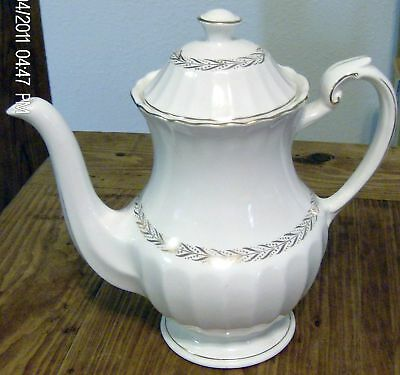 J&G Meakin Classic White Gold Laurel Garland Coffee Pot