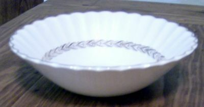 JG Meakin Classic White Gold Laurel Coupe Cereal Bowl 8