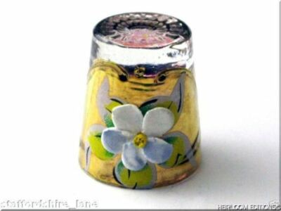 LAVENDER VENETIAN GLASS THIMBLE with FABULOUS FLORAL