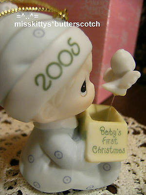Precious Moments~ORNAMENT~DATED 2005~Babys First Christmas~boy~4024080
