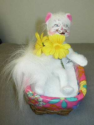 Annalee Easter Kitty In Basket 4 Inch