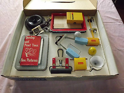Vintage Photography 1960S Montgomery Wards Developing & Printing Outfit Unused!