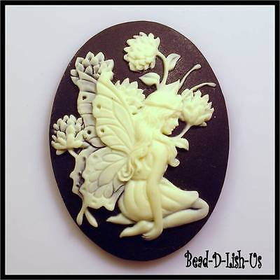 1 x Fairy Siting with Flower  - 40x30mm Resin Cameo victorian gothic cabochon DI