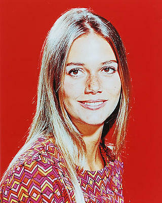 Peggy Lipton as Julie Barnes in The Mod Squad 11X14 Photo smiling studio pose