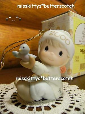 Precious Moments~ORNAMENT~Babys First Christmas~DATED 2000~boy~730106~Bird