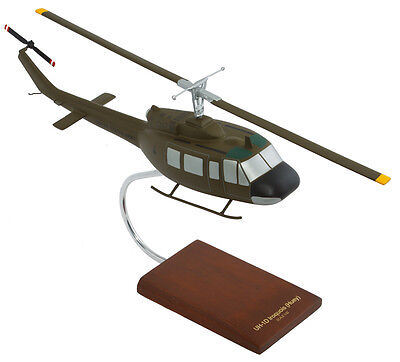 US Army Bell UH-1D Iroquois Huey Desk Top Display Copter Helicopter 1/32 Model