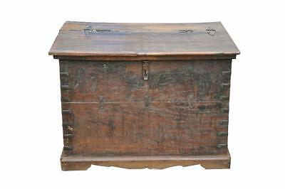 Chest - Item antique wood - India (GB)