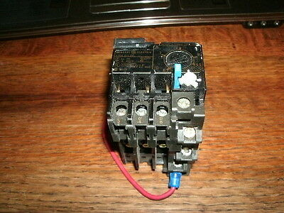 *USED* General Electric GE Overload Relay CR4G1WL part no box