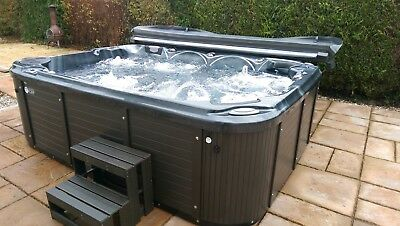 NEW Mr Tubby HOT TUB Huge 3m Lounger Spa DOUBLE insulation Balboa & Lucite tubs