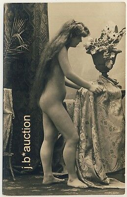 EXTREMELY LONGHAIR NUDE WOMAN / AKT LANGHAARIG * Vintage 1910s Risque Photo PC