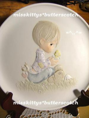 Precious Moments~PLATE~Boy Holding Chick~ I Believe in Miracles~E9257~6720#