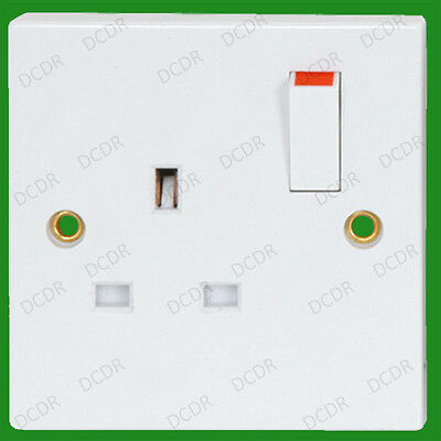 1 Gang, White Plastic, Switched 13A Single Mains, UK, 3 pin, Wall Socket, BS1363
