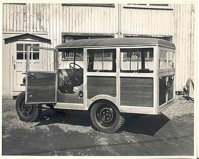 1947 Willy ORIGINAL Factory Photo H2640-1K16DS