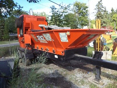 MORBARK chipper 22RXL TOTAL Chipavestor  600HP CUMMINS. with trailer